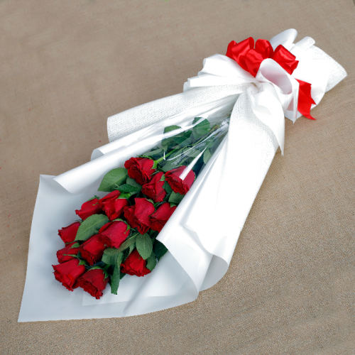 15 stems Red Roses Bouquet