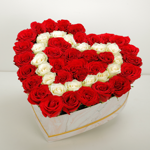 Engaging Roses In A Heart Marbled Box