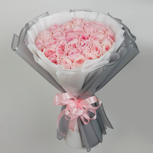 Hand Bouquet of Charismatic Pink Roses